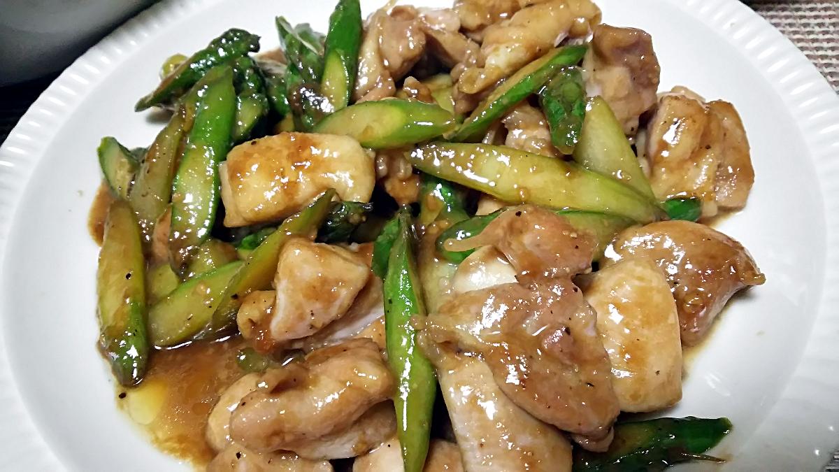 鶏もも肉とアスパラガスの味噌ダレ炒め