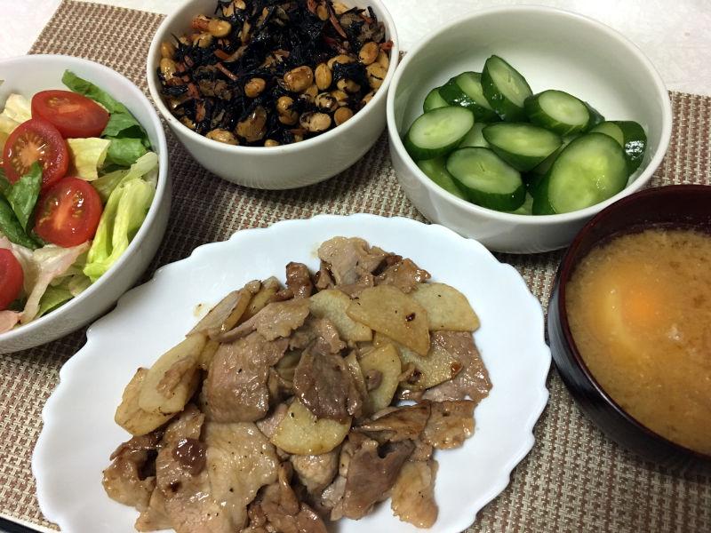 晩ごはんは豚肉と長芋の甘辛炒めにした