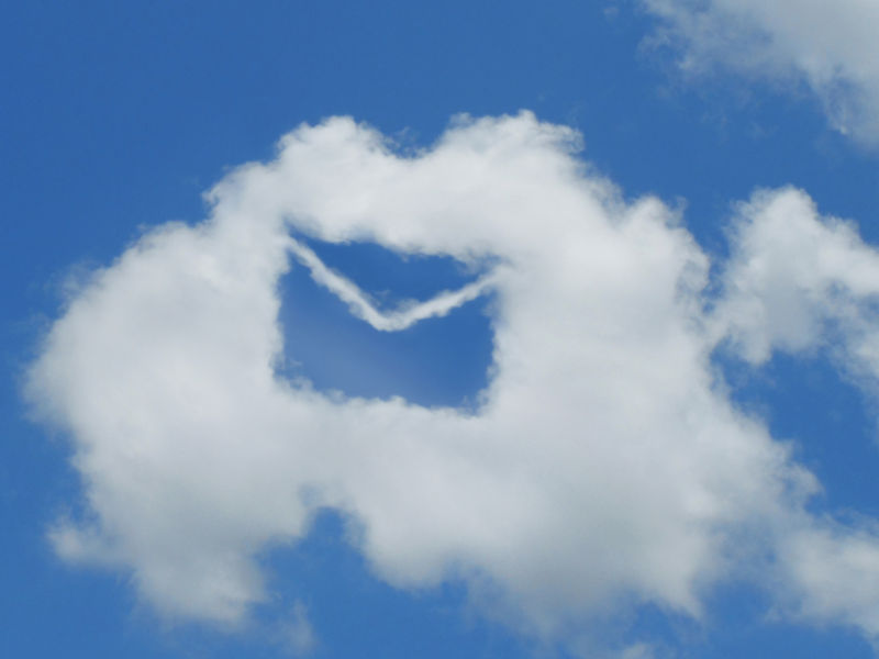 電子メールと雲
