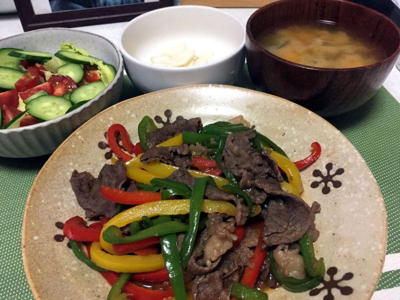 牛こま肉とパプリカの甘辛炒め