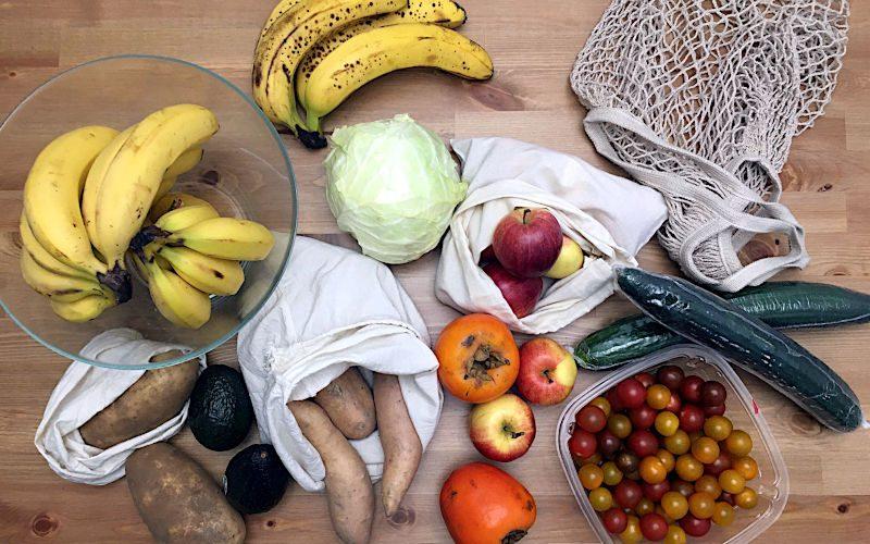 野菜とエコバッグ