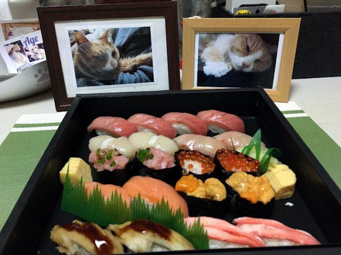 あげさんとお寿司を食べる