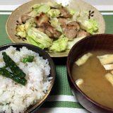 鶏もも肉とキャベツのガーリック炒め&アスパラガスの混ぜご飯(2020/06/06)