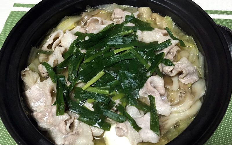ガラスープで作る中華風鍋