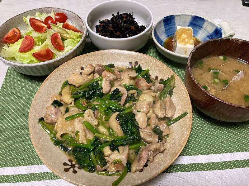 鶏肉とほうれん草の味噌炒め