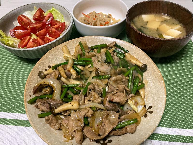 豚肉とにんにくの芽の焼肉のタレ炒め