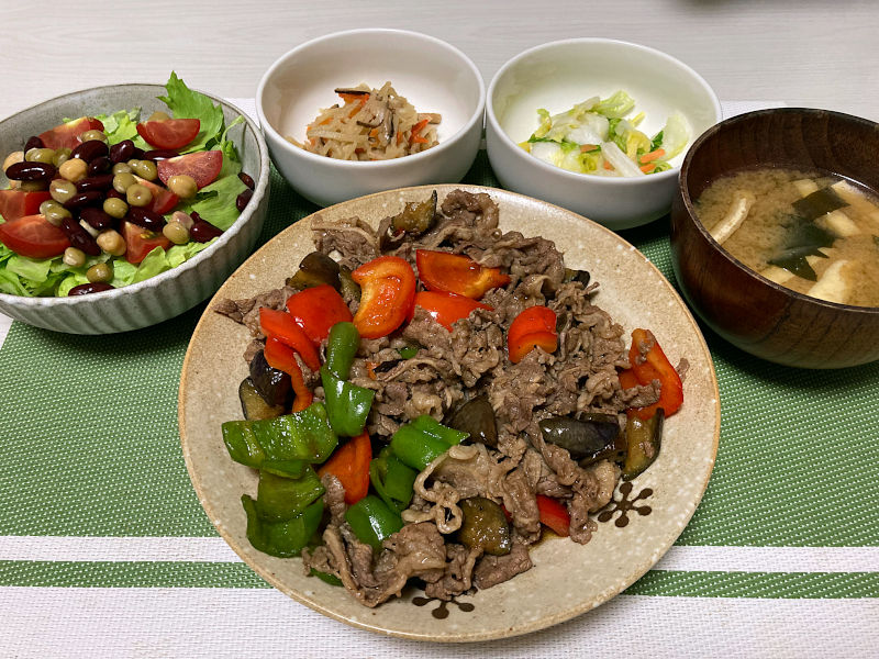 牛肉と夏野菜のオイスターソース炒め
